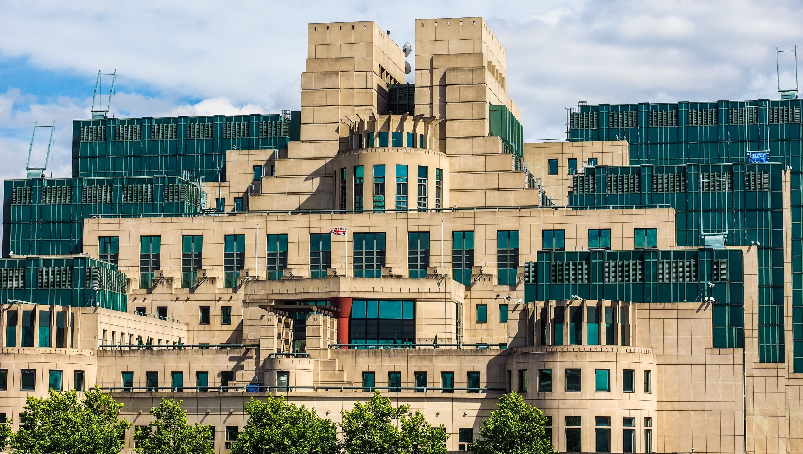 """Former MI6 chief Sir Alex Younger on why """"intelligence is fundamental"""" to cybersecurity"""