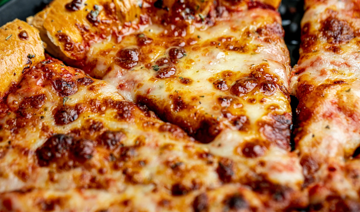 Dutch pizza chain discloses breach after hacker tries to extort company