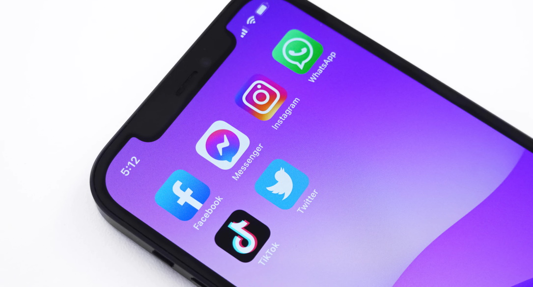 WhatsApp, Facebook, and Twitter fined for not storing user data inside Russia