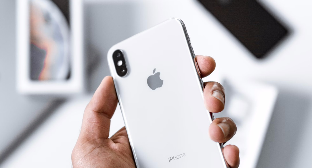 Apple patches iPhone zero-day in iOS 15.0.2